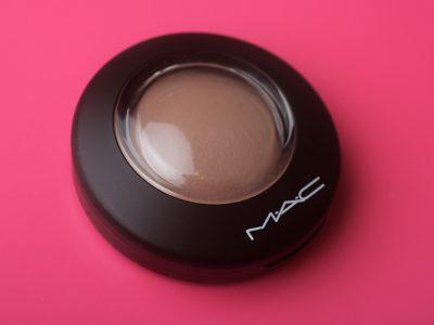 Не серые скулы с румянами MAC Cosmic Force Mineralize Blush