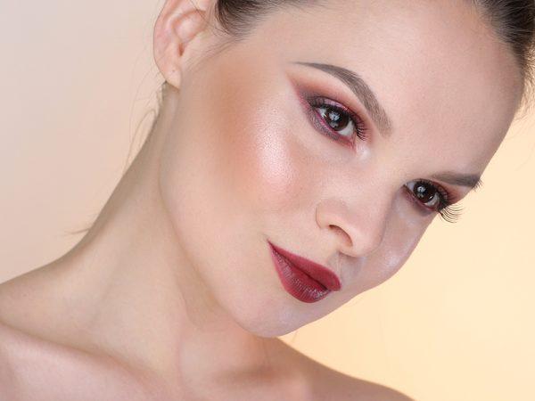 Как быть с 12 оттенками розового в макияже глаз? Пошаговый макияж.