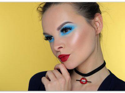 Голубой макияж глаз – да или нет? Особенности мономакияжа