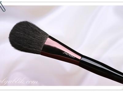 Shiseido The Makeup Powder Brush: отзывы на кисть для пудры