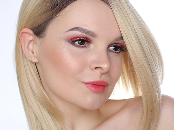 Valentine's Day Makeup Tutorial Heart Eyelashes