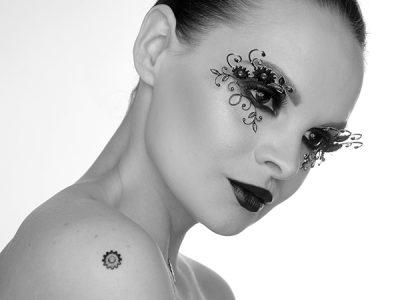 Декоративный макияж глаз 3D – образ дня