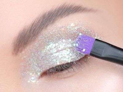 """Как наносить блестки на глаза – лайфхаки """"блестящего"""" макияжа"""