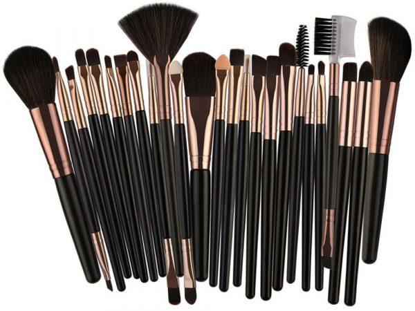 Как выбрать кисти для макияжа и не разочароваться: 3 правила