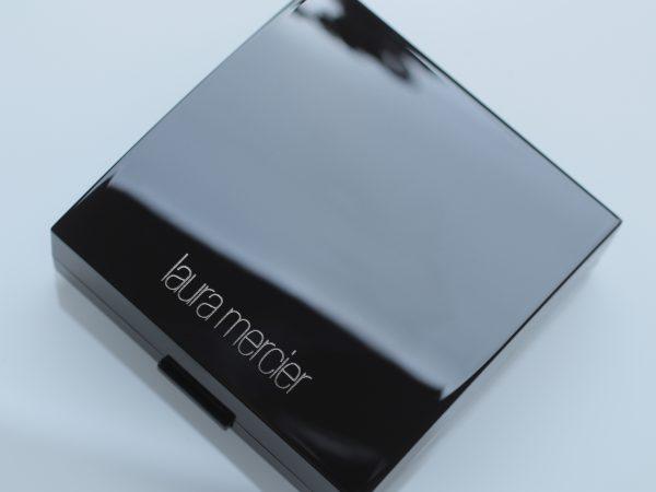 Laura Mercier Matte Radiance Baked Powder Compact: отзывы