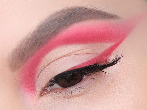 Макияж с розовыми стрелками: яркий образ