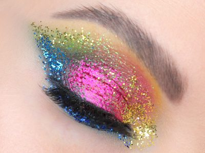 Блестящие Смоки Айс: макияж с блестками