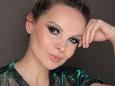Новогодний макияж 2021: образ с блестками