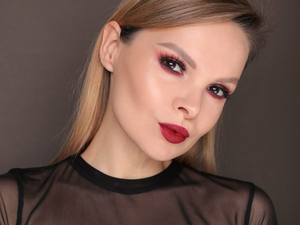 Праздничный вариант новогоднего макияжа – видео-урок