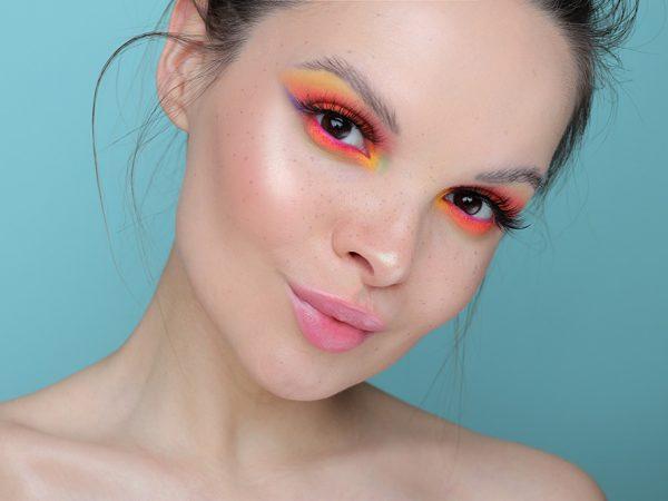 Цветной макияж: яркий образ 2020